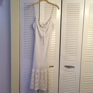 White summer dress w lace on bottom